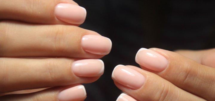 Комбинированный педикюр или маникюр с покрытием гель-лаком в салоне красоты «Пальчики»