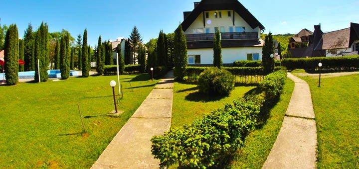 От 4 дней отдыха для двоих на базе отдыха «У Тараса» в Поляне